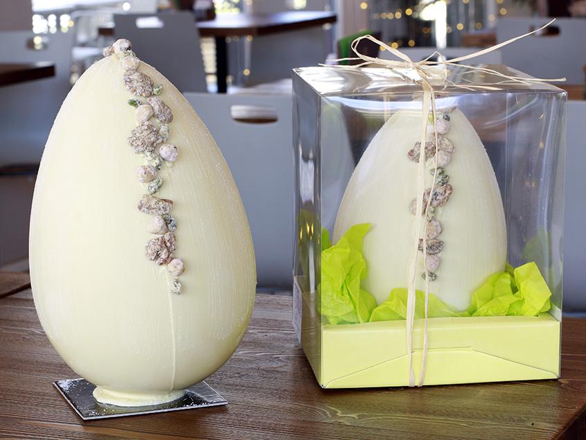 uovo bianco scatola