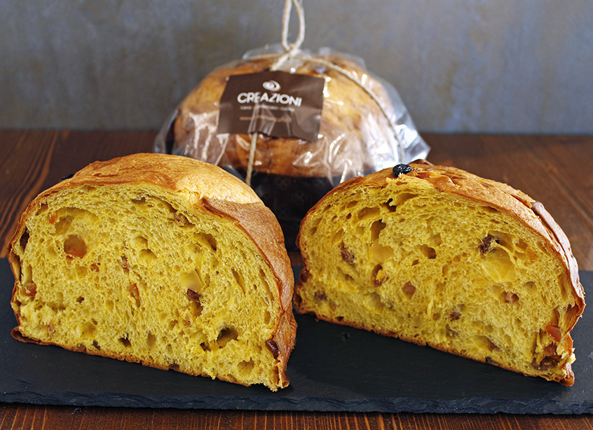 Classic Panettone with raisins and candied fruit
