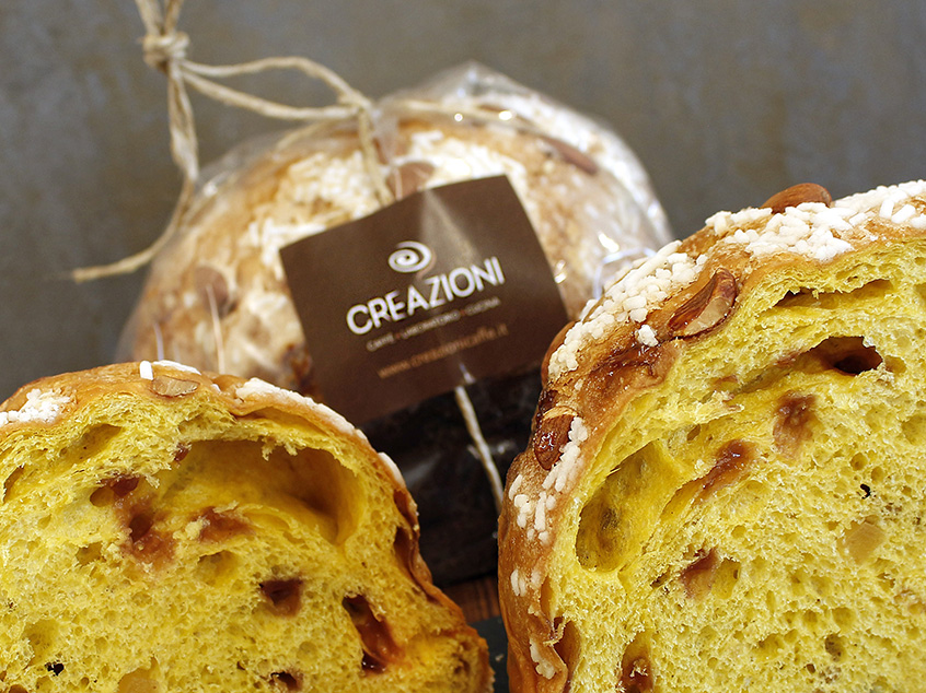 Panettone with berries and ginger
